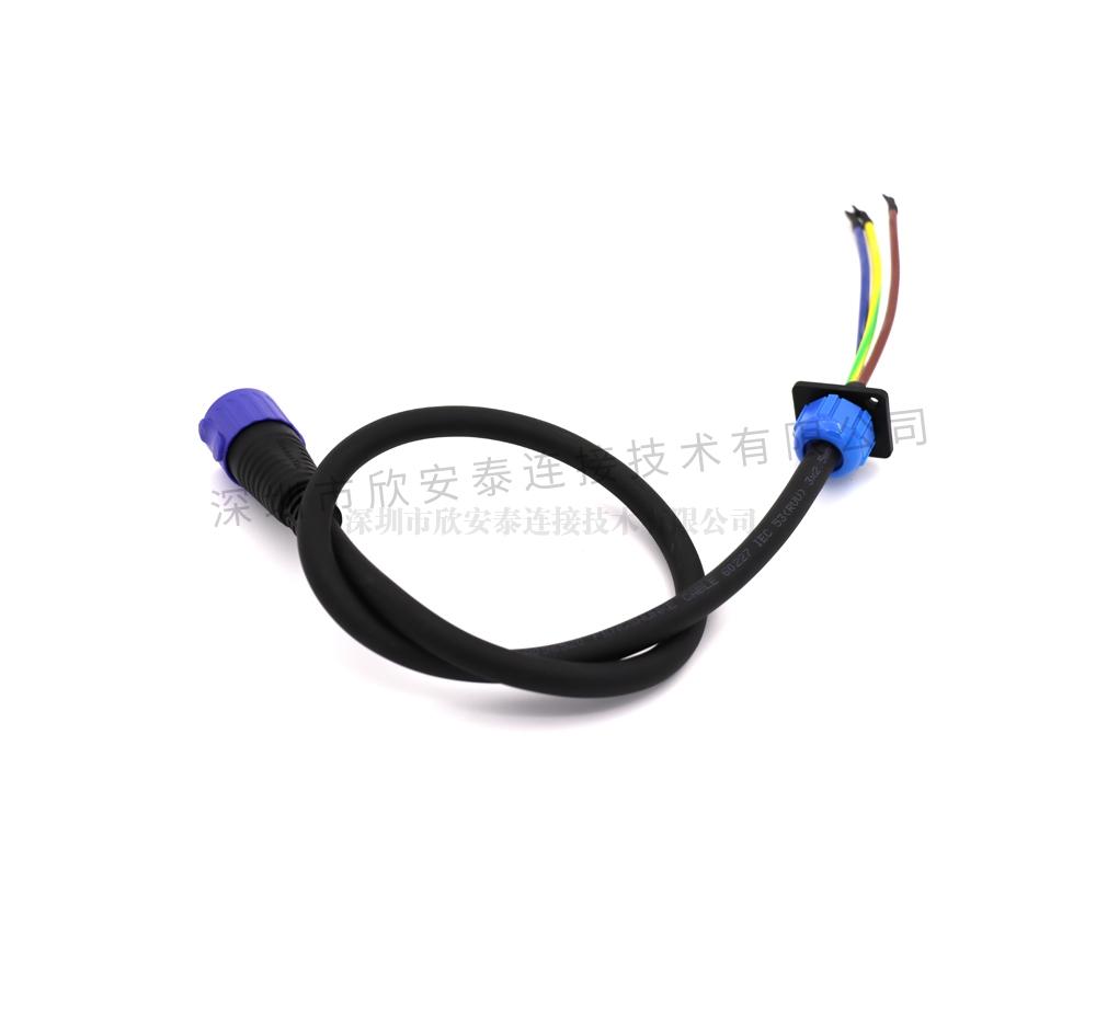 LED插头连接器